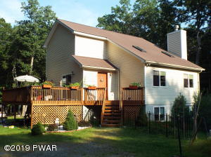 173 Cottonwood Dr, Hawley, PA 18428