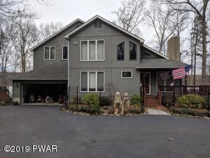 232 Fawn Lake Dr, Hawley, PA 18428
