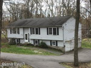 810 Appaloosa Ct, Lords Valley, PA 18428