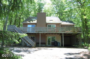 102 Corral Ln, Lords Valley, PA 18428