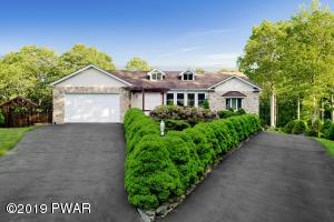 129 Overlook Ln, Lords Valley, PA 18428