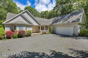120 Mustang Dr, Lords Valley, PA 18428
