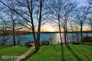 85 Moosic Lakeside, Jefferson Township, PA 18436