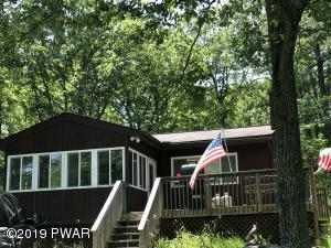 114 Gaskin Dr, Lords Valley, PA 18428