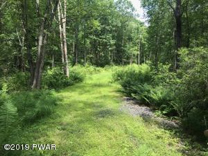 Tunnel Rd, Milford, PA 18337