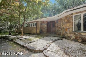 804 Falling Brook Ct, Lords Valley, PA 18428