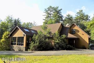 111 Colony Cove Rd, Tafton, PA 18464