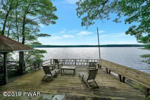 931 Twin Lakes Rd, Shohola, PA 18458