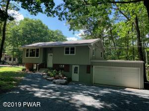 118 Bluestone Dr, Lords Valley, PA 18428