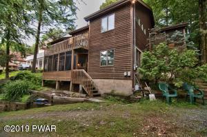 48 Roamingwood Rd, Lake Ariel, PA 18436