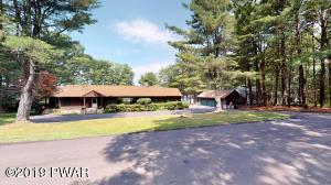 899 Twin Lakes Rd, Shohola, PA 18458