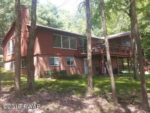190 Fawn Lake Dr, Hawley, PA 18428