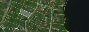 204 Basswood Dr, Lords Valley, PA 18428