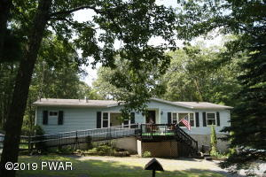 135 Overlook Ln, Lords Valley, PA 18428
