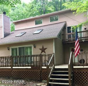 101 Summit Drive, Greentown, PA 18426