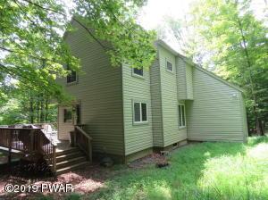 103 Orchard Ln, Greentown, PA 18426