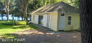 28 Coxton Lake Rd, Thompson, PA 18465