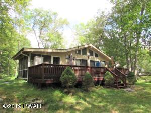 808 Hoover Ct, Lords Valley, PA 18428