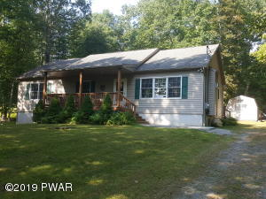 105 Falling Brook Way, Hawley, PA 18428