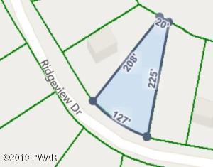 152 Ridgeview Dr, Lake Ariel, PA 18436