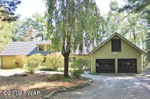 58 Ledge Dr, Lakeville, PA 18438
