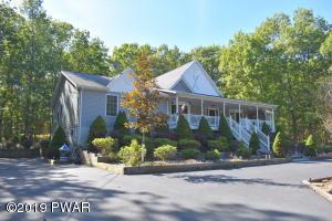 153 Robin Way, Lackawaxen, PA 18435