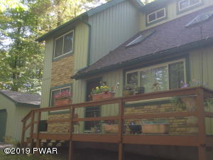 281 Fairway Dr, Lake Ariel, PA 18436