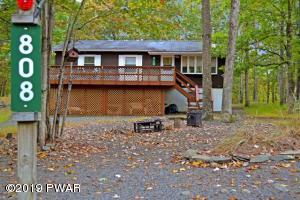 808 Firelight Ct, Lackawaxen, PA 18435