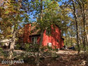 405 Maple Ridge Dr, Lords Valley, PA 18428