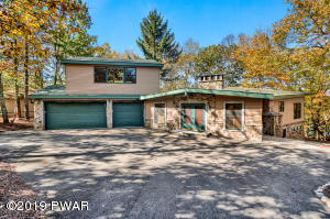 136 Broadmoor Dr, Lords Valley, PA 18428