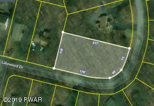 44 Lakewood Dr, Lake Ariel, PA 18436