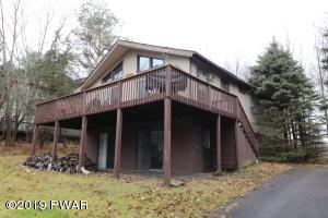 40 Crestview Rd, Lake Ariel, PA 18436