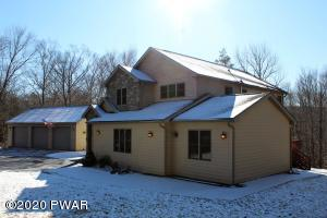 104 Wintergreen Cir, Greentown, PA 18426