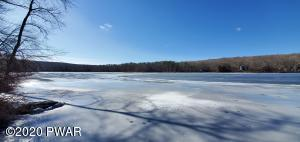 200 Forest Dr, Hawley, PA 18428