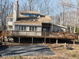 124 Washington Dr, Lords Valley, PA 18428