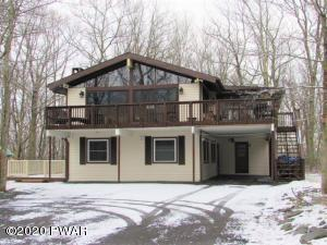 441 Canoebrook Ln, Lords Valley, PA 18428