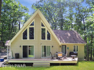 104 Beartrap Mountain Ter, Greentown, PA 18426