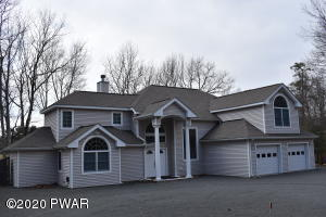 412 Canoebrook Drive, Lords Valley, PA 18428