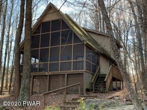 34 Elmwood Ct, Lake Ariel, PA 18436