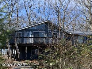 400 Maple Ridge Dr, Lords Valley, PA 18428