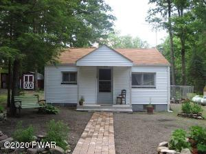132 Tauschman Rd, Greentown, PA 18426
