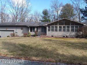 119 Boulder Dr, Lords Valley, PA 18428