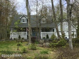 126 Rodeo Ln, Lords Valley, PA 18428