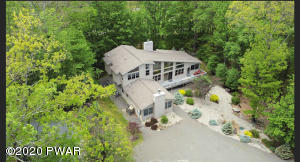 344 Canoebrook Dr, Lords Valley, PA 18428