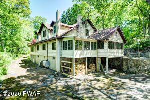 82 Paupack Point Rd, Hawley, PA 18428
