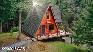 150 Log And Twig Rd, Dingmans Ferry, PA 18328