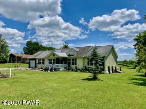 678 Stock Farm Rd, Lake Ariel, PA 18436