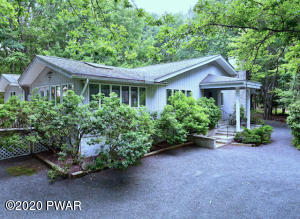 805 Falling Brook Ct, Lords Valley, PA 18428
