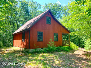 White Deer Lake Rd, Hawley, PA 18428