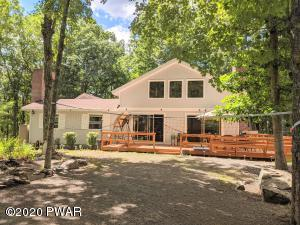 131 Surrey Dr, Lords Valley, PA 18428